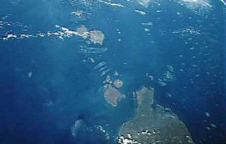 Eastern entrance to Torres Strait showing sandbanks and islets.