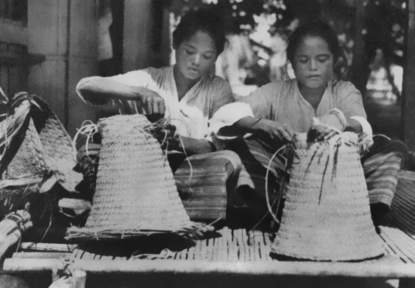 Selaru basket weavers. Veronica Peek collection.